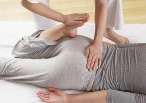 массаж ягодиц и ног