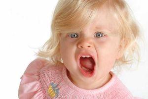 Вокальный тик у ребенка