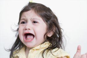 ребенок истеричит