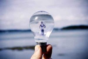 Человек в лампе