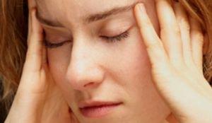 болит голова от стресса