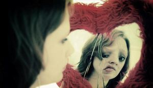 Уродство в зеркале