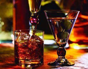 алоголь в стакане