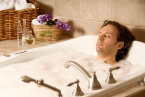 теплая ванна с шалфеем