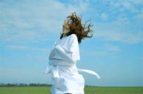 Женщина в смирительной рубашке