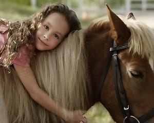 Ребенок на лошади