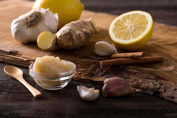 Лимон, мед, чеснок, имбирь